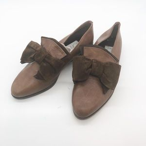 Joan & David leather bow loafer Sz 6